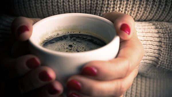 kahveden kaynakli el titremesi